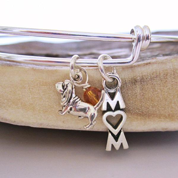 "Basset Hound Mom Stackable Bangle Bracelet (2.5""-3\"")"