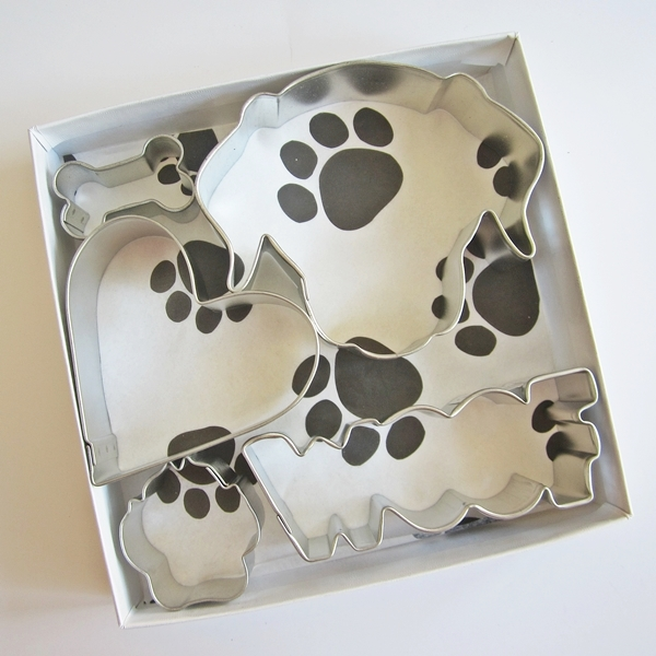 Labrador Face Woof Five Piece Cookie Cutter Set