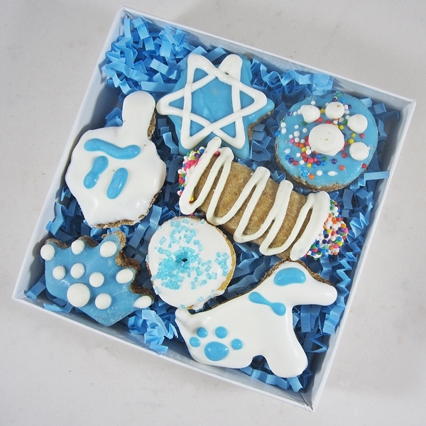 Mini 7 Piece Hanukkah Dog Treat Assortment