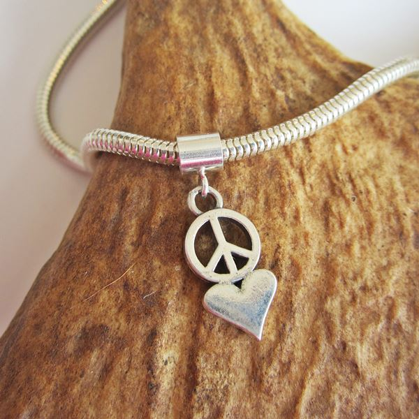Peace Love Mini Ster Silver European-Style Charm and Bracelet