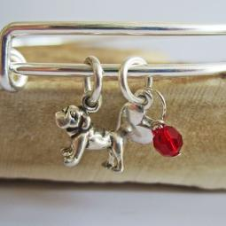 "Bulldog Mini Heart Stackable Bangle Bracelet (2.5""-3"")"