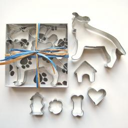 Pit Bull Six Piece Cookie Cutter Set + a Letter!