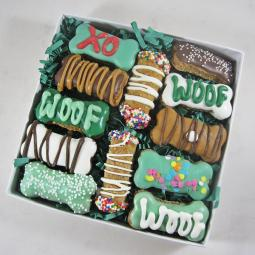 St. Patrick's Day Doggie Dozen Mini Bones and Cannolis Treat Set