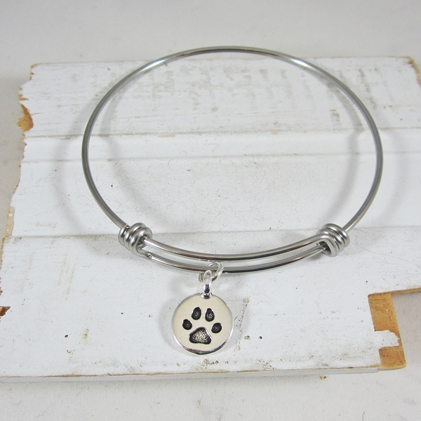 "Circle Paw Print Stackable Bangle Bracelet (2.5""-3\"")"